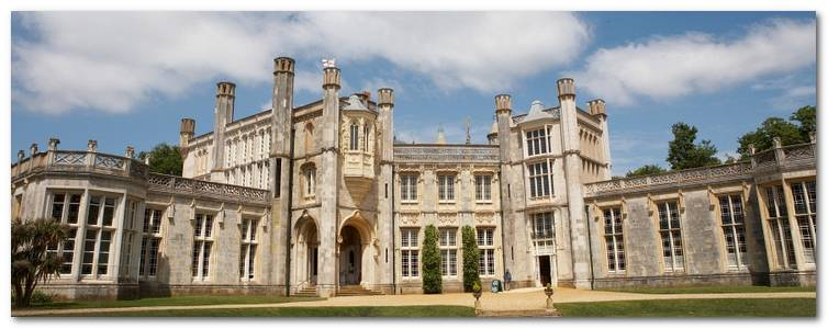 new-zealand-cac-dia-diem-ua-thich-0832b-highcliffe-castle-christchurch