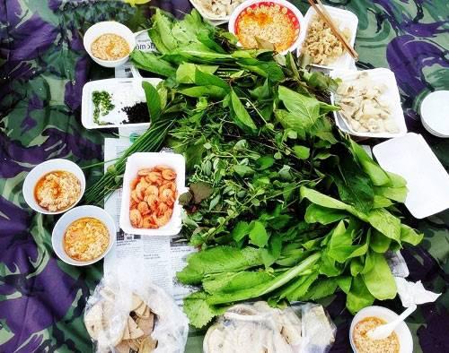 1458696005-12-mon-ngon-nghe-la-tai-an-la-mieng-o-kon-tum--11-