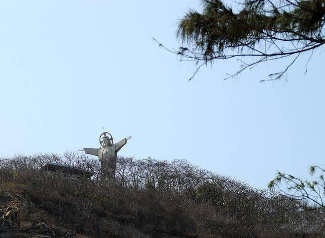 tuong-chua-giesu-vung-tau-1461752408-tuong-chua-kito-2