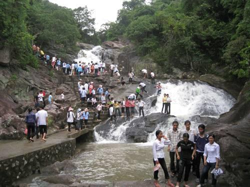 khu-du-lich-sinh-thai-suoi-mo-2015-05-26.03.22.15-suoi-mo-diem-den-hap-dan-du
