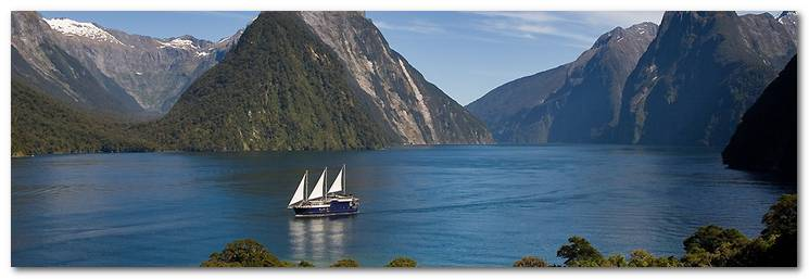 new-zealand-cac-dia-diem-ua-thich-23b08-milford-wanderer-overnight-cruises