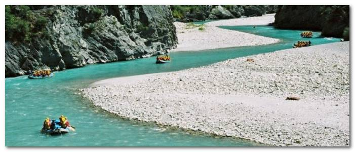 new-zealand-cac-dia-diem-ua-thich-9aa89-rafting-queenstown-new-zealand
