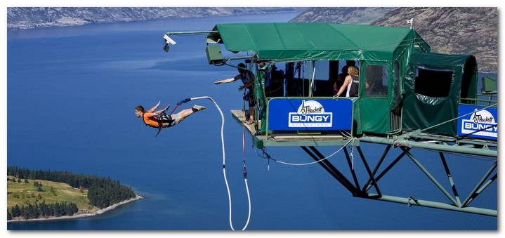 new-zealand-cac-dia-diem-ua-thich-a8be6-bungy-jumping-new-zealand