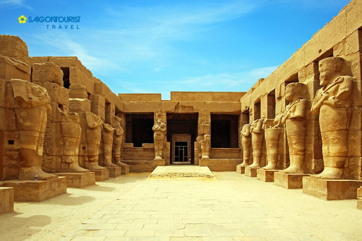 du-lich-ai-cap-ancient-ruins-of-karnak-temple-in-luxor-egypt-500224291