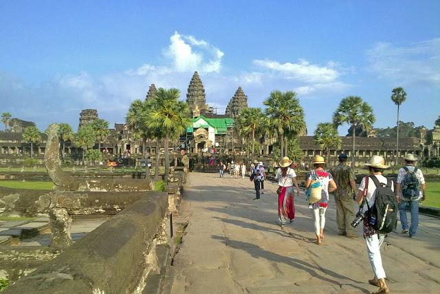 du-lich-campuchia-tu-tuc-angkor-wat-siem-reap-cambodia