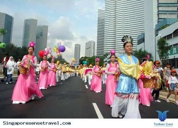 di-du-lich-singapore-nen-mua-gi-at-nhung-thong-tin-ban-nen-biet-khi-di-du-lich-singapore-ec09f8e166838960c88047e6ef4510a2