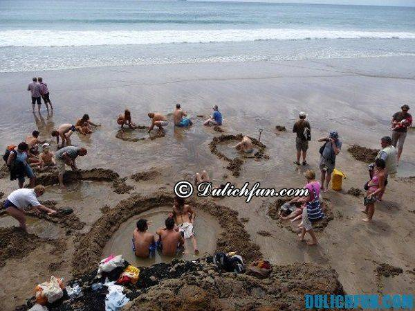 dia-danh-noi-tieng-o-new-zealand-bai-bien-hot-water-beach
