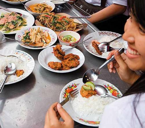 mua-vali-ben-thai-bangkok-3-20120701-2886-1404705864