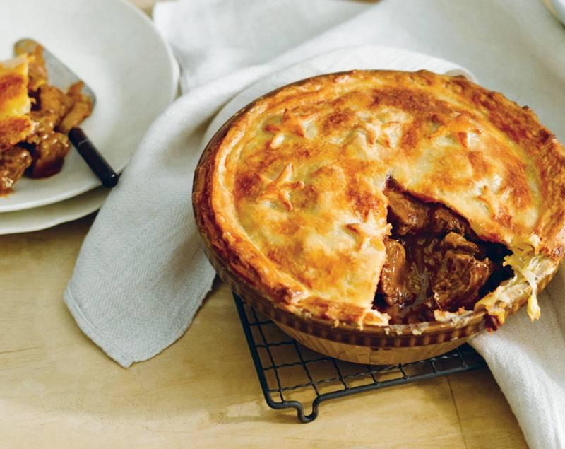 nhung-mon-an-ngon-o-new-zealand-beef-and-mushroom-pie.1.1