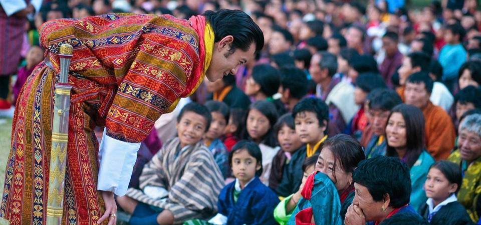 bhutan-hanh-phuc-nhat-the-gioi-bhutan-king-scoopwhoop
