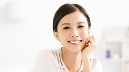 mua-my-pham-o-dai-loan-bigstock-149280653-445x250