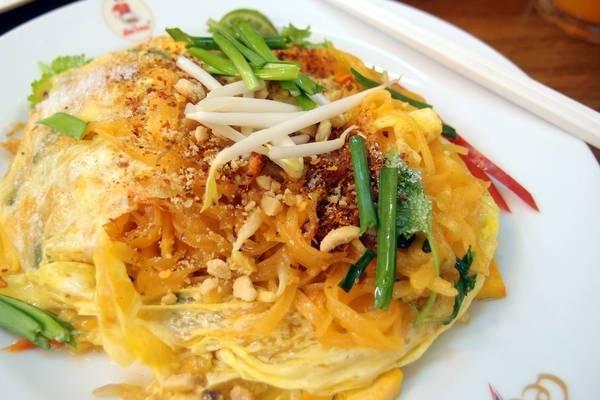 an-gi-o-bangkok-du-lich-bangkok-thuong-thuc-10-mon-an-ngon-bo-re-traveltimes-3