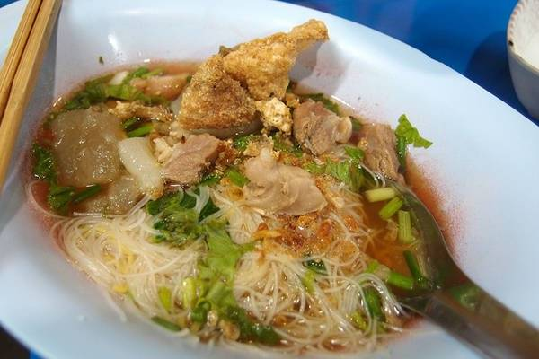 an-gi-o-bangkok-du-lich-bangkok-thuong-thuc-10-mon-an-ngon-bo-re-traveltimes-5