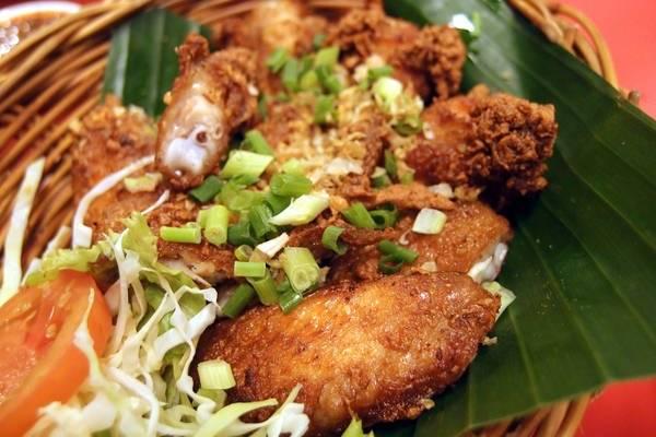 an-gi-o-bangkok-du-lich-bangkok-thuong-thuc-10-mon-an-ngon-bo-re-traveltimes-8