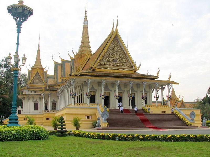 du-lich-campuchia-bui-du-lich-tu-tuc-cambodia-gia-re-phnompenh