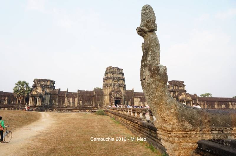 kinh-nghiem-du-lich-campuchia-2017-duong-vao-angkor-wat-v1
