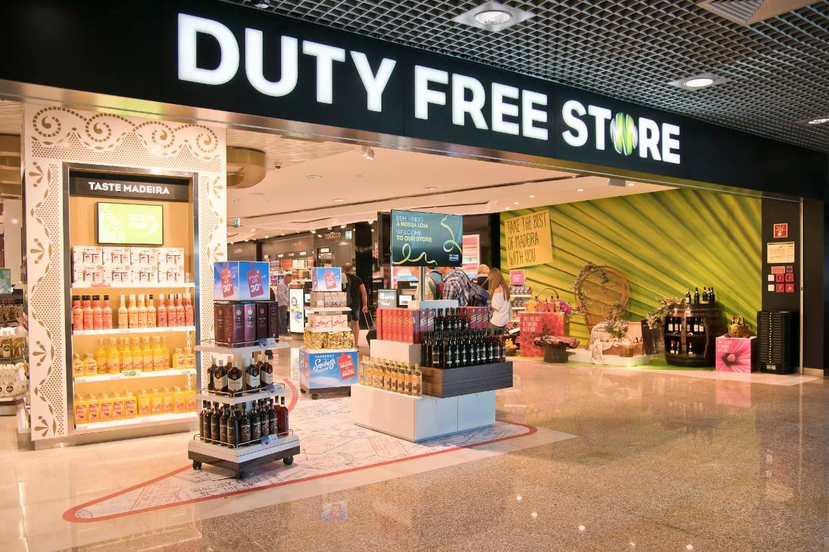 mua-gi-o-san-bay-dubai-duty-free-store-1-27364679376-o-1500426627082