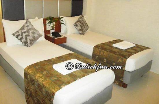 kinh-nghiem-du-lich-mumbai-elphinstone-hotel-nha-nghi-khach-san-dep-gia-re-o-mumbai