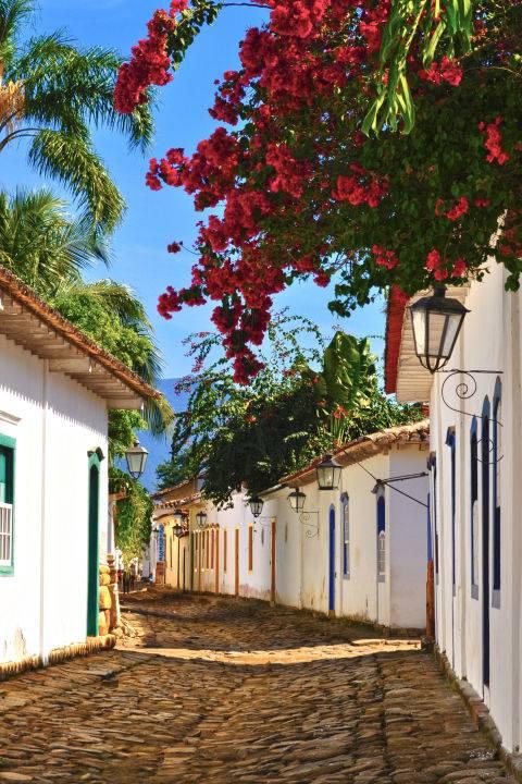 dia-diem-du-lich-o-brazil-gettyimages-453124535-1