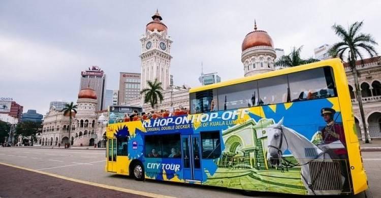du-lich-malaysia-tu-tuc-hop-on-hop-off-kuala-lumpur-750x390