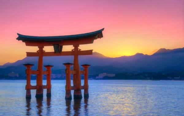 kinh-nghiem-di-du-lich-nhat-ban-itsukushima-nha-ban-ivivu-1-1024x647