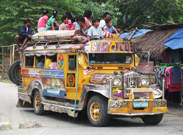 du-lich-philippines-tu-tuc-jeepney