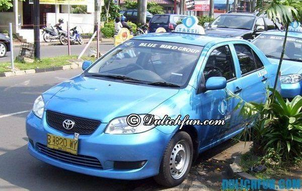 du-lich-indonesia-tu-tuc-kinh-nghiem-di-taxi-o-bali-cua-hang-blue-bird