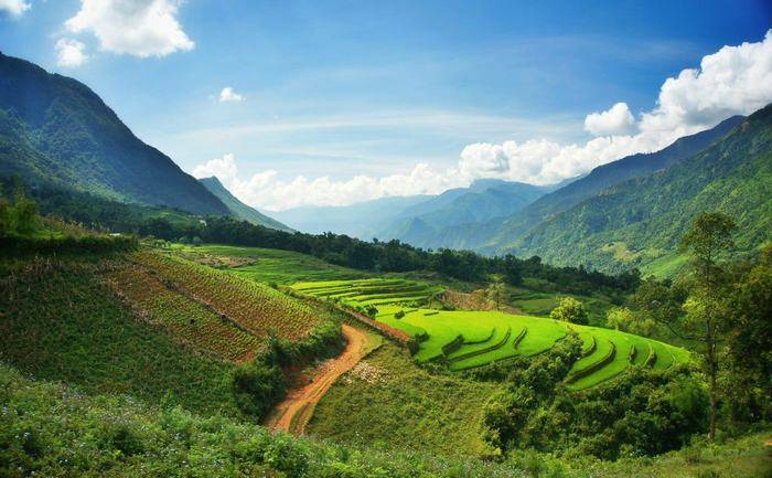kinh-nghiem-xin-giay-thong-hanh-sang-ha-khau-toursapagiatot-4