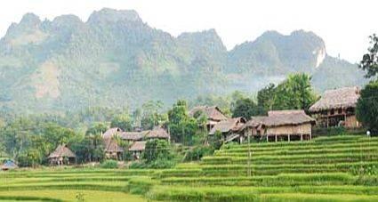 son-la-cach-dien-bien-bao-nhieu-km-langmuong