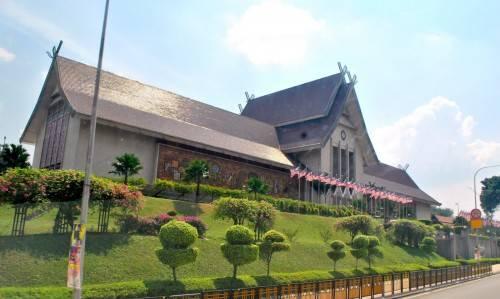 dia-diem-du-lich-malaysia-muzium-negara-500x299