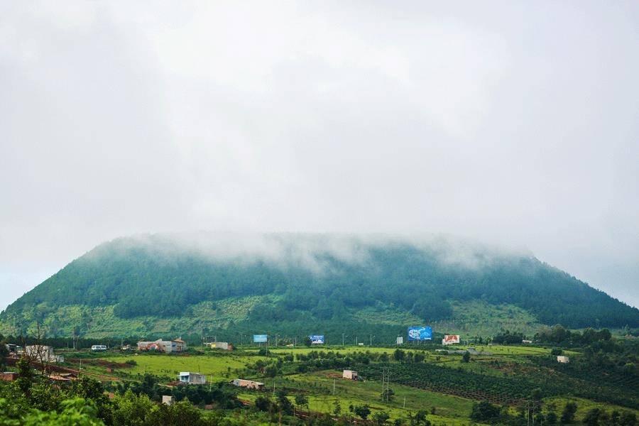 nui-ham-rong-gia-lai-nhung-dia-diem-du-lich-gia-lai-vntrip.vn_