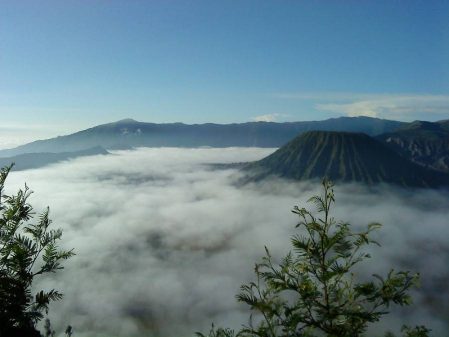 co-nen-di-du-lich-indonesia-nui-lua-bromo-indonesia