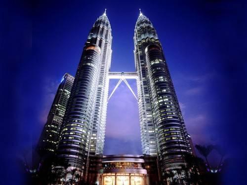 dia-diem-du-lich-malaysia-petronas-500x375