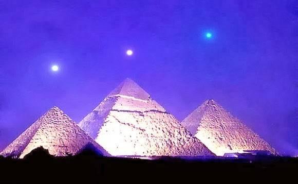 khu-lang-mo-giza-pyramid-orion