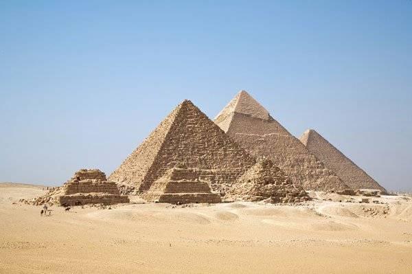 kim-tu-thap-ai-cap-pyramid