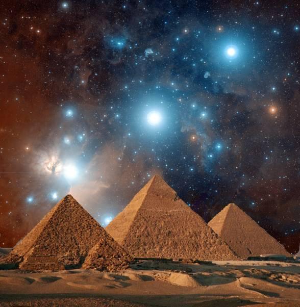 ben-trong-kim-tu-thap-co-gi-pyramidsstars