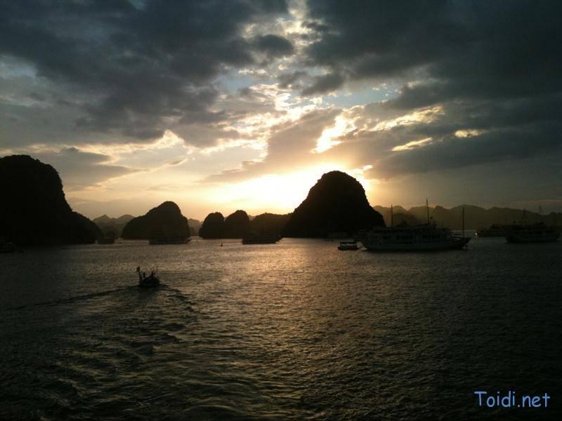 sunset-ha-long
