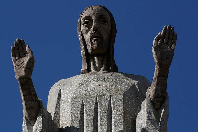 tuong-chua-lon-nhat-the-gioi-tallest-biggest-statue-of-jesus-in-the-world-11