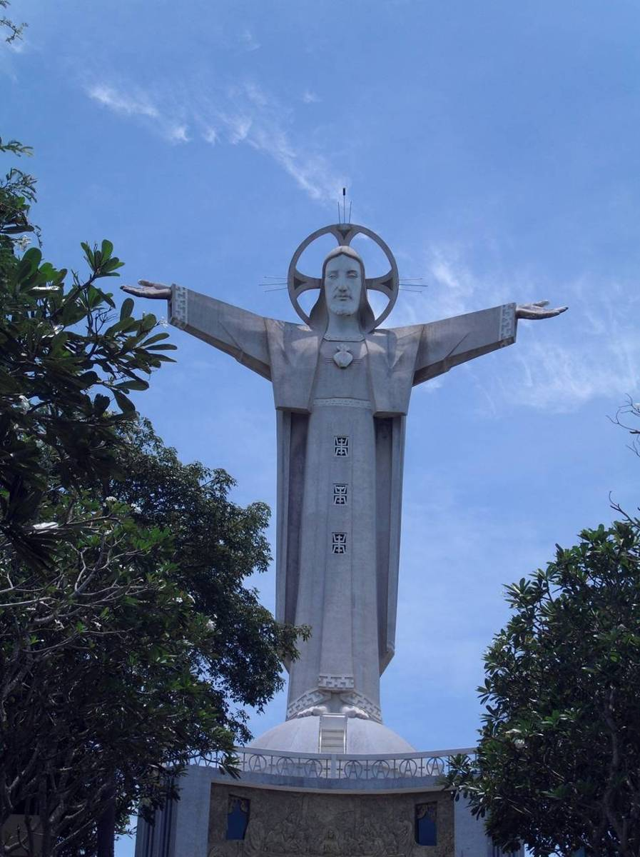tuong-chua-lon-nhat-the-gioi-tallest-biggest-statue-of-jesus-in-the-world-23