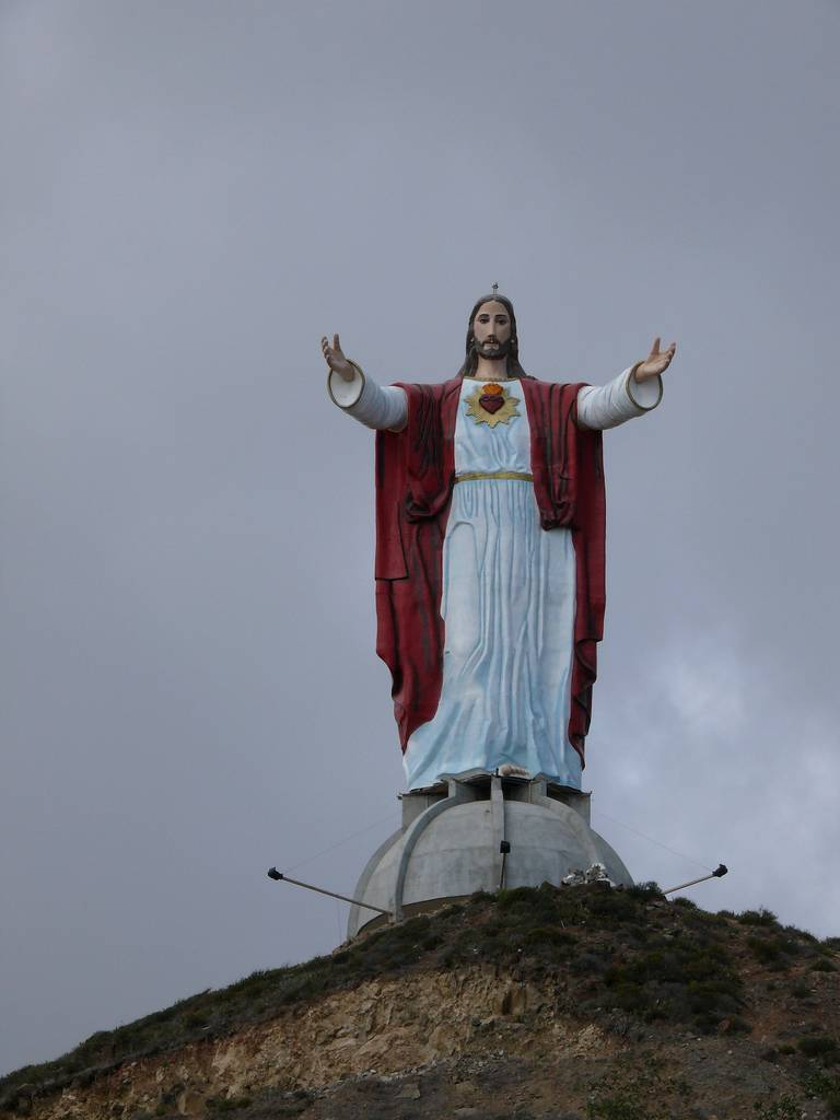 tuong-chua-lon-nhat-the-gioi-tallest-biggest-statue-of-jesus-in-the-world-52