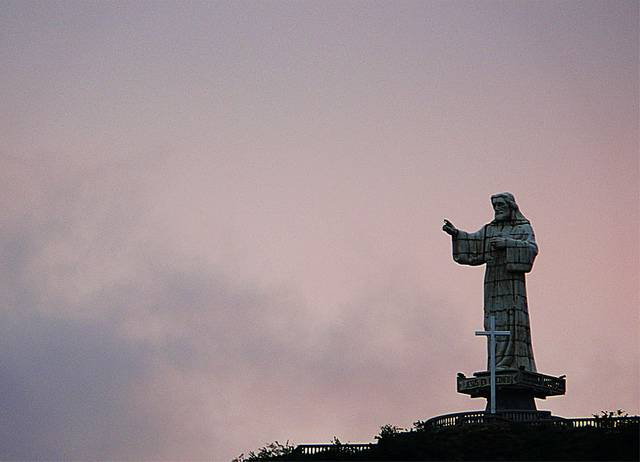 tuong-chua-lon-nhat-the-gioi-tallest-biggest-statue-of-jesus-in-the-world-53