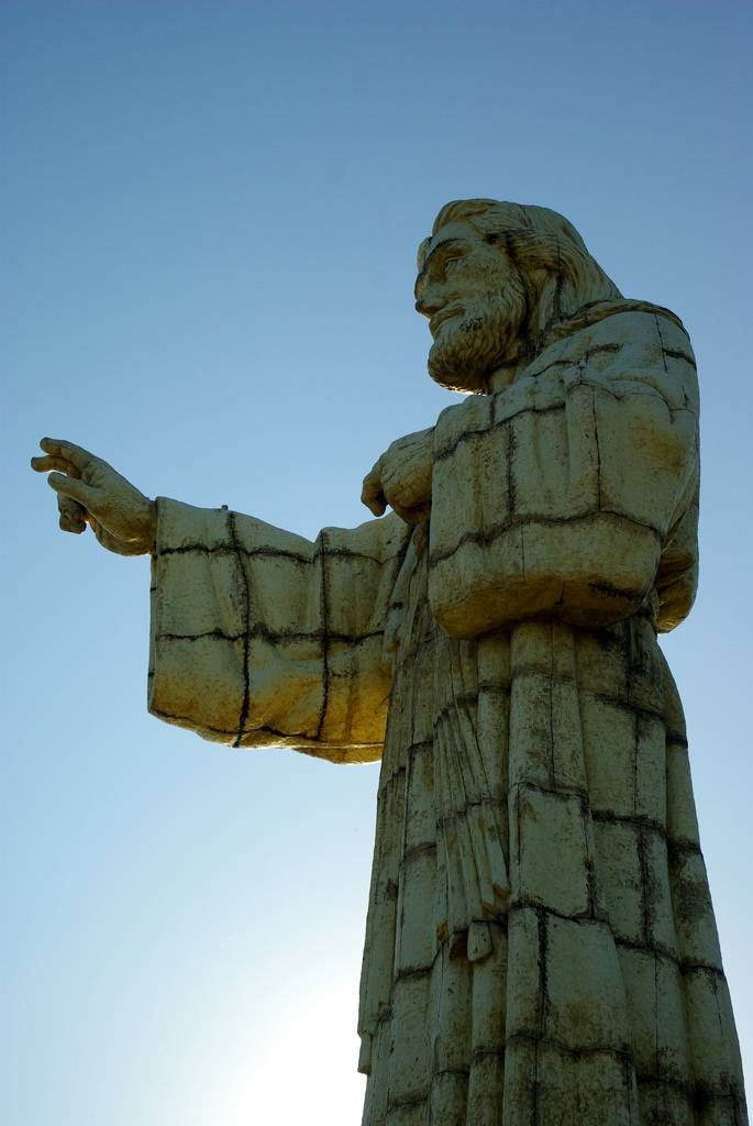 tuong-chua-lon-nhat-the-gioi-tallest-biggest-statue-of-jesus-in-the-world-54