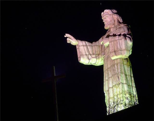 tuong-chua-lon-nhat-the-gioi-tallest-biggest-statue-of-jesus-in-the-world-55