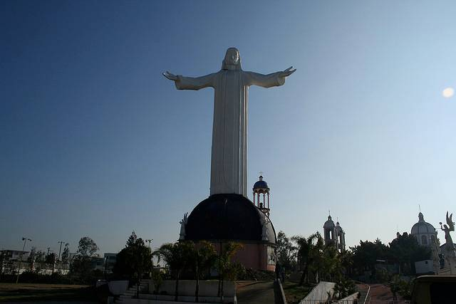 tuong-chua-lon-nhat-the-gioi-tallest-biggest-statue-of-jesus-in-the-world-62