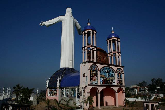 tuong-chua-lon-nhat-the-gioi-tallest-biggest-statue-of-jesus-in-the-world-63