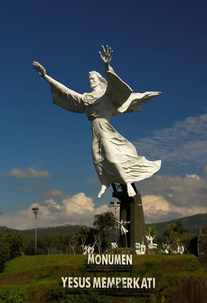 tuong-chua-lon-nhat-the-gioi-tallest-biggest-statue-of-jesus-in-the-world-68