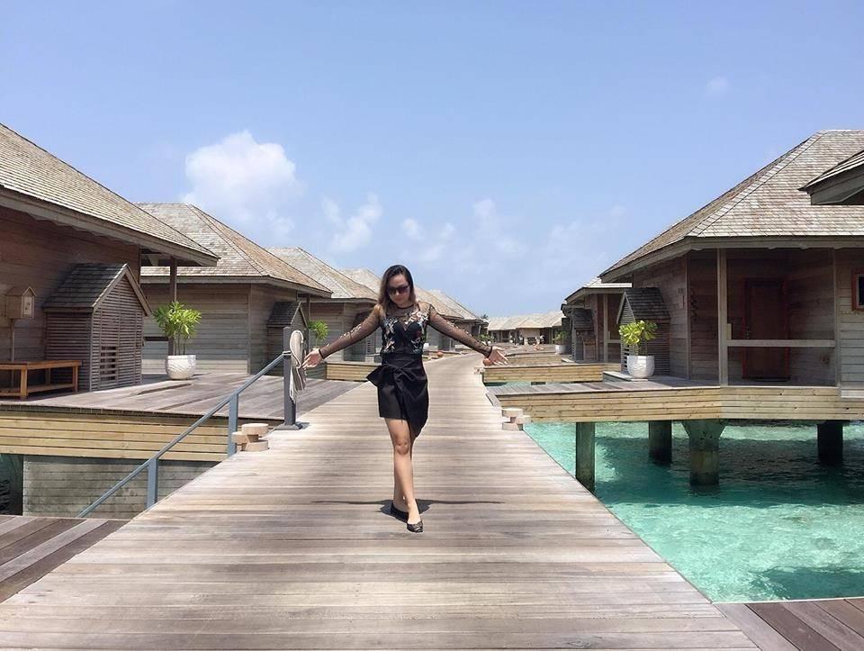 du-lich-maldives-tu-tuc-tat-tan-tat-ve-chuyen-di-maldives-tu-tuc-sang-chanh-cua-cap-doi-xu-lang-13
