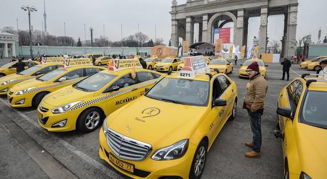 du-lich-nga-tu-tuc-taxi-nga