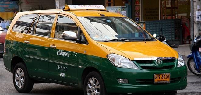 kinh-nghiem-du-lich-bangkok-pattaya-taxi-tai-bangkok