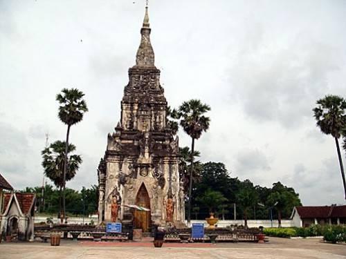 dat-nuoc-lao-cac-dia-diem-ua-thich-that-ing-hang-stupa-500x375